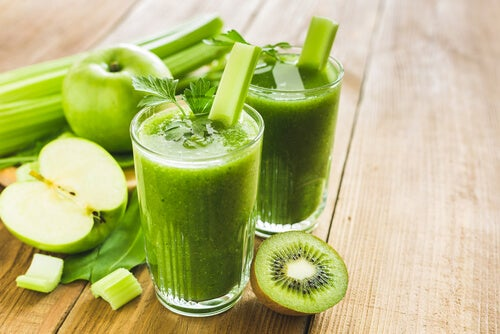 detoxifiere cu smoothie verde)