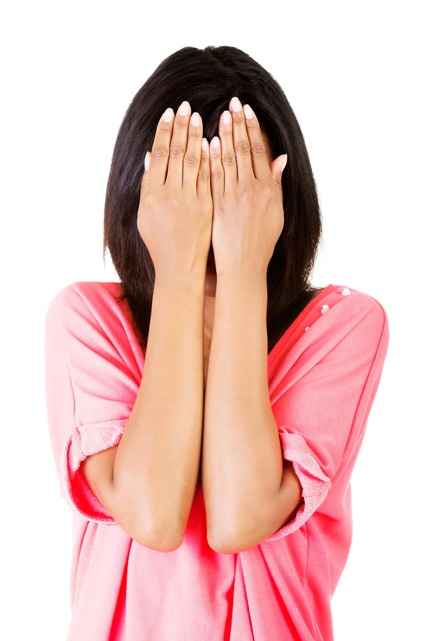 Negii: tipuri, simptome şi tratament. Pot fi îndepărtaţi definitiv?