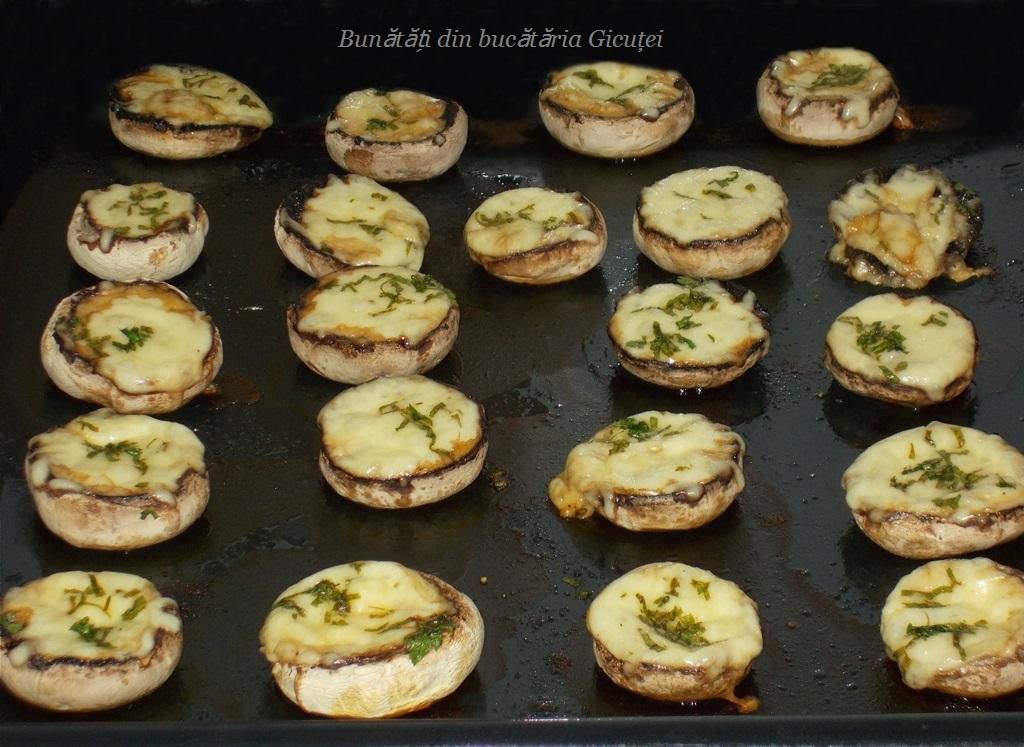 Ciuperci champignon gustoase, pregătite întregi la cuptor! - Retete Usoare
