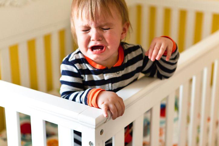 Mișcările micuțului tău din timpul somnului
