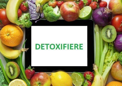 detoxifiere cu smoothie uri)