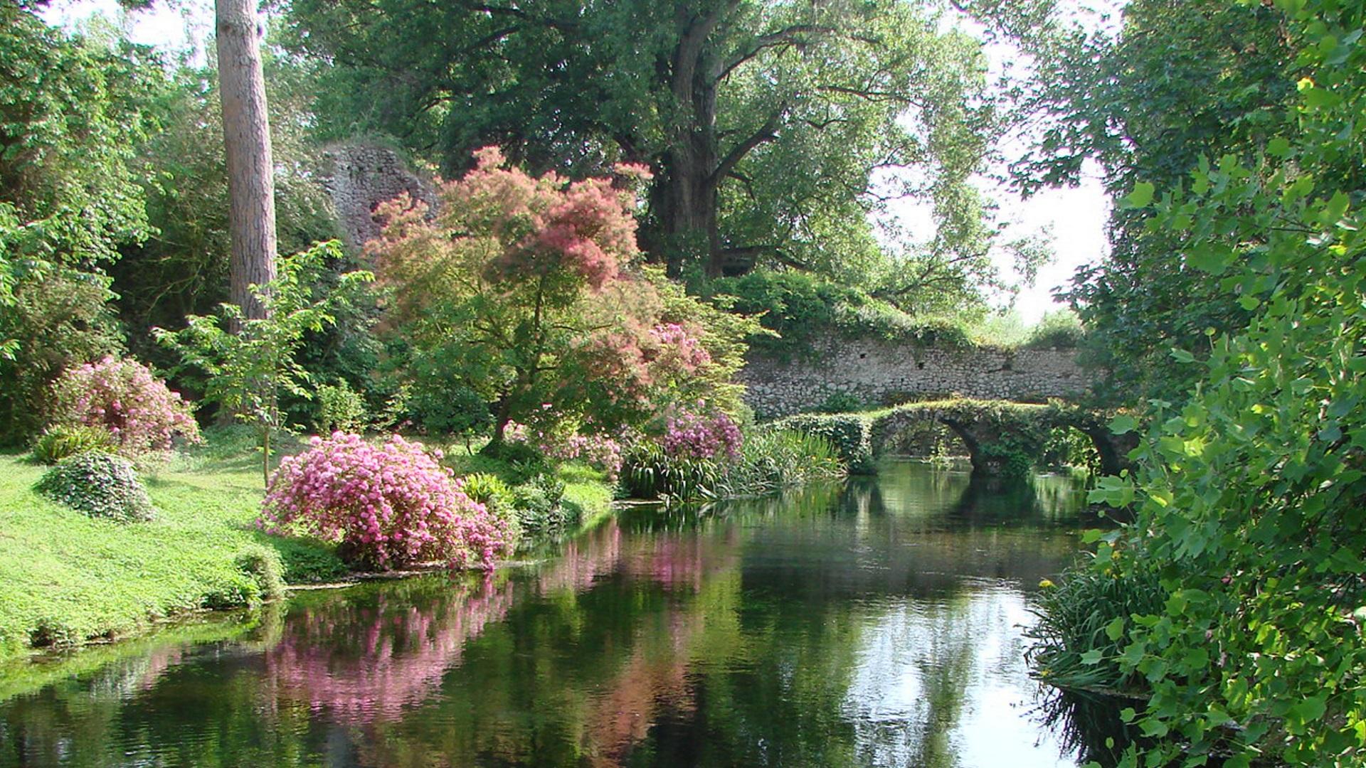 giardini ninfa roma)