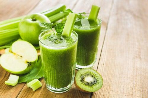 Cura de vitamine cu sucuri & smoothie-uri – provocarea de 5 zile
